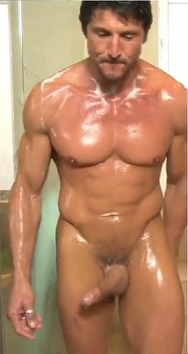 Tommy gunn gets his dick massaged