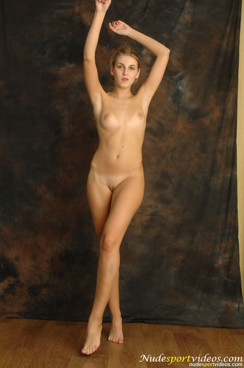large pictures of nude girls