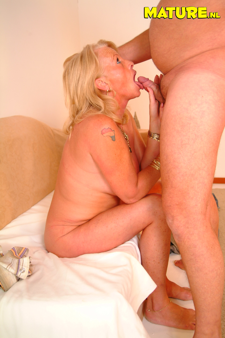 blonde natural pussy