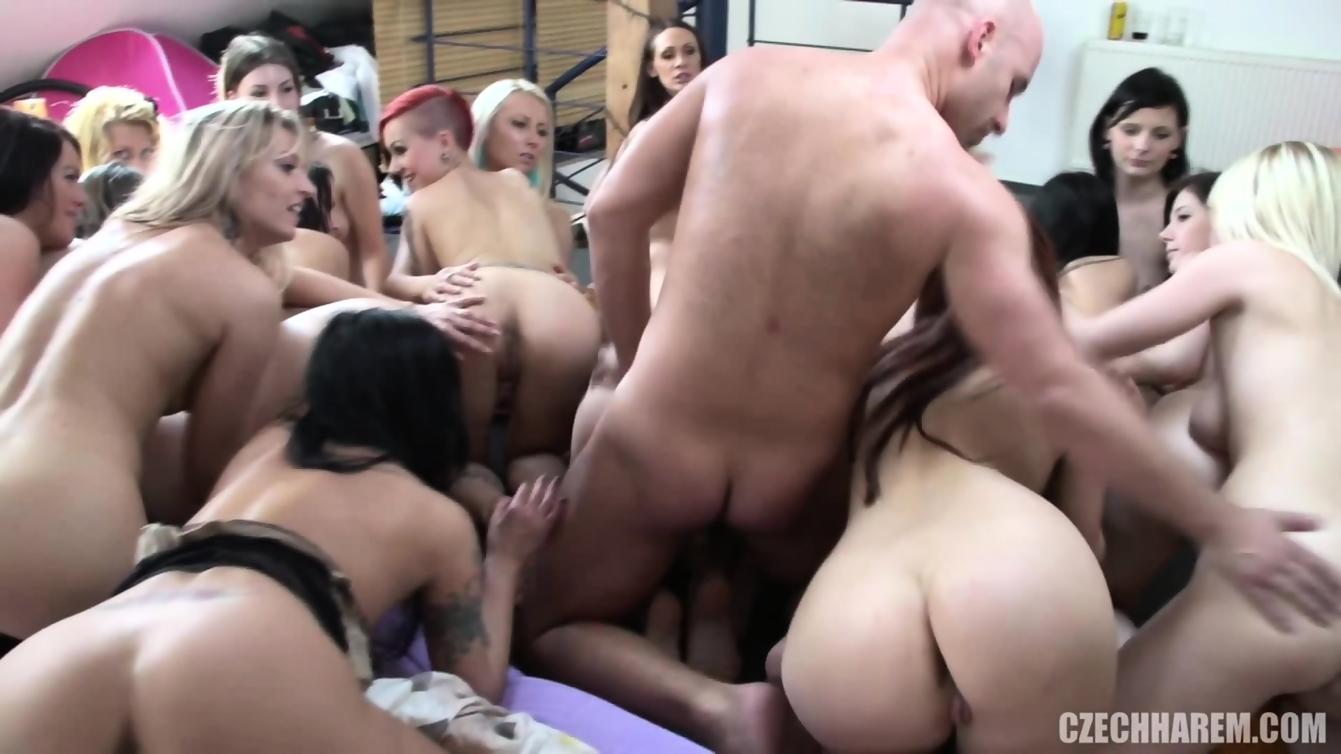 extreme pussy insertion